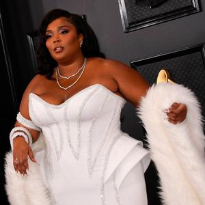 US singer-songwriter Lizzo arrives for the 62nd Annual Grammy Awards on January 26, 2020, in Los Angeles. (Photo by VALERIE MACON / AFP) (Photo by VALERIE MACON/AFP via Getty Images)