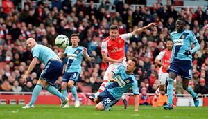 Arsenal's Olivier Giroud scores his side's first goal of the game