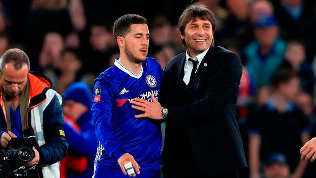 Chelsea manager Antonio Conte and Eden Hazard celebrate at full time