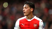 Fenerbache are considering offering Mesut Ozil an escape route out of Arsenal. Photo: Clive Rose/Getty Images