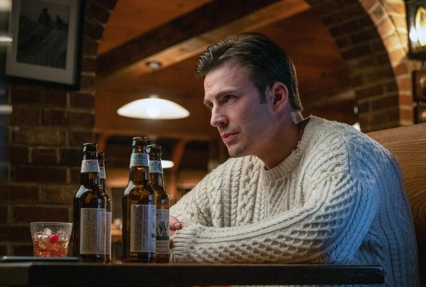 Chris Evans wearing an Aran jumper in Knives Out