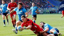Wales' George North scores his second try against Italy