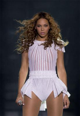 Beyonce performing in Dublin's O2 last night