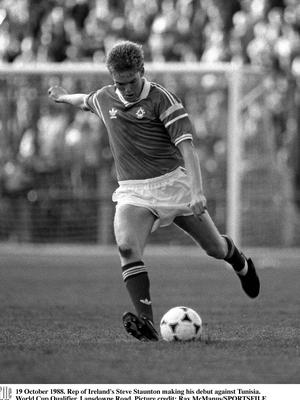19 October 1988. Rep of Ireland's Steve Staunton making his debut against Tunisia. World Cup Qualifier, Lansdowne Road. Picture credit; Ray McManus/SPORTSFILE