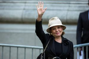 Journalist Barbara Walters waves as she arrives to attend the funeral of comedienne Joan Rivers at Temple Emanu-El in New York September 7, 2014. REUTERS/Lucas Jackson