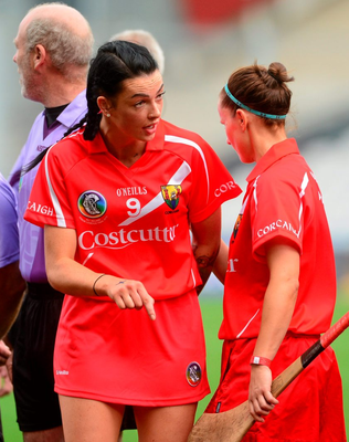 Cork captain Ashling Thompson issues instructions to her team-mates before the game.