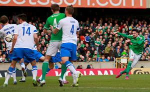 Football - Northern Ireland v Finland - UEFA Euro 2016 Qualifying Group F - Windsor Park, Belfast, Northern Ireland - 29/3/15 Northern Ireland's Kyle Lafferty scores their first goal Action Images via Reuters / Jason Cairnduff Livepic EDITORIAL USE ONLY.