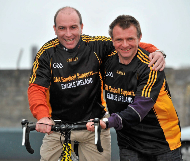 Michael 'Ducksie' Walsh with Kilkenny hurler and handball doubles partner DJ Carey raising funds for charity. Photo: Brian Lawless / Sportsfile