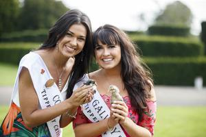 20/08/2019 Cork Rose Stephanie McCarthy and Galway Rose Órla McDaid as Dáithi Ó Sé introduced all 32 hopeful Roses for the first time ahead of this years Rose of Tralee television show in Castletown House Celbridge before they began their journey to Tralee. Picture Andres Poveda
