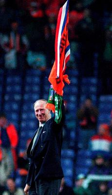 Jack Charlton waving what would be a final farewell at Anfield in 1995. Photo: Sportsfile