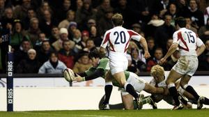 Shane Horgan stretches for the line to score the winning try for Ireland against England at Twickenham in 2006. Picture credit: Brian Lawless / SPORTSFILE