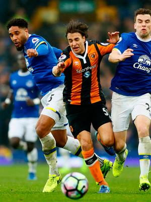Hull City's Lazar Markovic in action with Everton's Ashley Williams and Seamus Coleman. Photo: Jason Cairnduff/Reuters