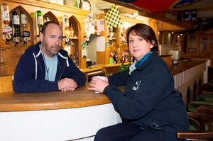 Fianna Fáil candidate Anne Rabbitte meets Portumna publican Fergal Coghlan while canvassing. Photo: Andrew Downes