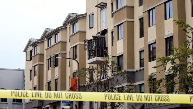 Damage is seen at the scene of a 4th-story apartment building balcony collapse in Berkeley, California June 16, 2015. Five young Irish citizens were killed and at least eight other people were injured when an apartment balcony collapsed early on Tuesday in the Californian city of Berkeley, Ireland's foreign minister said.  REUTERS/Elijah Nouvelage