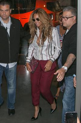 Singer Beyonce Knowles is seen leaving the 'Nolita' restaurant on September 14, 2014 in Paris, France.  (Photo by Marc Piasecki/GC Images)