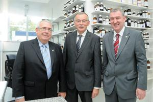 Dan McSweeney (centre) with former Minister Joe Costello, and Kevin Sherry, Head of International Sales and Partnering, Enterprise Ireland. Picture: Enterprise Ireland