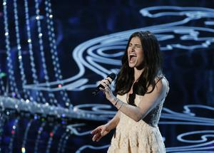 "Idina Menzel performs nominated original song ""Let it Go"" at the 2014 Oscars"