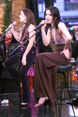Sharon(on left) and Andrea Corr of The Corrs perform on Good Morning America in Times Square in New York City.  12/4/00 (Photo by Scott Gries/ImageDirect)
