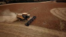 FILE PHOTO: FILE PHOTO: Farmer Lucas Richard of LFR Grain harvests a crop of soybeans at a farm in Hickory, North Carolina, U.S. November 29, 2018. REUTERS/Charles Mostoller/File Photo/File Photo