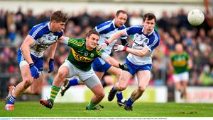 29 March 2015; Stephen O'Brien, Kerry, in action against Darren Hughes, left, and Karl O'Connell, Monaghan. Allianz Football League, Division 1, Round 6, Kerry v Monaghan. Austin Stack Park, Tralee, Co. Kerry. Picture credit: Stephen McCarthy / SPORTSFILE