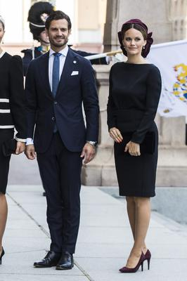 Prince Carl Philip of Sweden and Princess Sofia of Sweden pose for a picture upon arriving at the Swedish Parliament House for the opening of the new parliamentary session on September 10, 2019 in Stockholm, Sweden. (Photo by Michael Campanella/Getty Images)