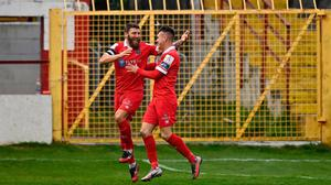18 October 2020; Gary Deegan of Shelbourne, left, celebrates with team-mate Dayle Rooney after scoring his side's first goal during the SSE Airtricity League Premier Division match between Shelbourne and Sligo Rovers at Tolka Park in Dublin. Photo by Seb Daly/Sportsfile