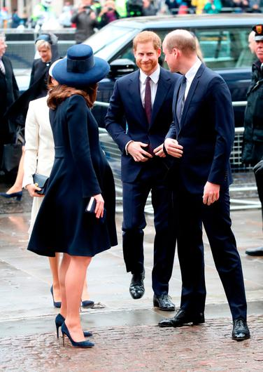 (L-R) Meghan Markle, Prince Harry, Catherine, Duchess of Cambridge and Prince William, Duke of Cambridge attend the 2018 Commonwealth Day service at Westminster Abbey on March 12, 2018 in London, England.  (Photo by Chris Jackson/Chris Jackson/Getty Images)
