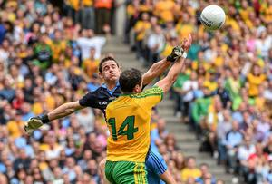 Donegal's Michael Murphy causing havoc in the square for Dublin 'keeper Stephen Cluxton. Photo: Ramsey Cardy / SPORTSFILE