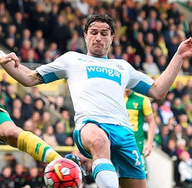 Newcastle's Daryl Janmaat in action with Norwich's Timm Klose. Photo: Alan Walter/Action Images via Reuters