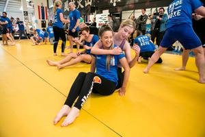 Independent.ie's Amy Mulvaney pictured during a training session with SBG Gym owner John Kavanagh. Picture: Kyran O'Brien