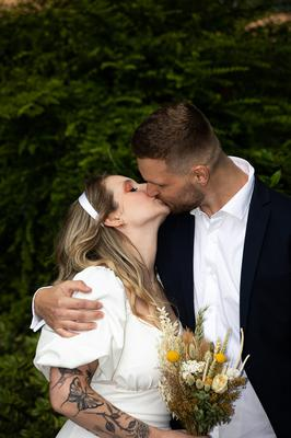 Natalia Tonietto and Arthur Kroth after getting married at the Dublin registry office.  Pic:Mark Condren, 28.7.2020