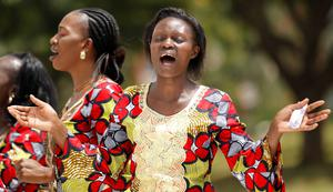 Christians from the World Victory Centre sing hymns during an Easter crusade service for the victims of the Garissa University attack in Kenya's capital Nairobi April 5, 2015. REUTERS/Thomas Mukoya