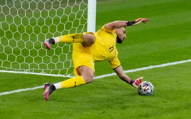 Italy reach Euro 2020 final with dramatic penalty shootout win over Spain -  Independent.ie