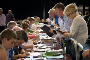 Counting gets under way for the Kilkenny by election and referendum in Cillin Hill, Kilkenny this morning. Photo: Tony Gavin