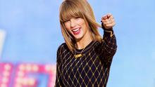 Singer Taylor Swift performs