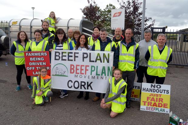Members of the BEEF Plan movement Cork, with Margerat Murphy O'Mahony TD (Cork West), who are demanding better prices for beef farmers. The group is planning more protests this week at all ABP cork plants. Picture Denis Boyle