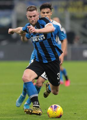 MILAN, ITALY - FEBRUARY 12:  Milan Skriniar of FC Internazionale in action during the Coppa Italia Semi Final match between FC Internazionale and SSC Napoli at Stadio Giuseppe Meazza on February 12, 2020 in Milan, Italy.  (Photo by Emilio Andreoli/Getty Images)