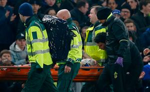 Hull City's Ryan Mason is stretchered off injured Action Images via Reuters / Andrew Couldridge Livepic
