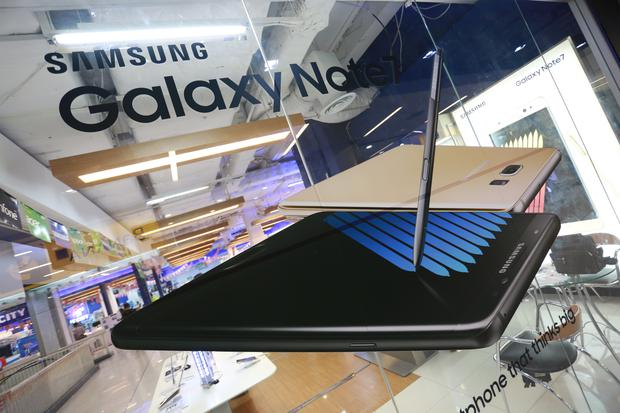 Apple is expected to be the big winner from the Samsung Note7 meltdown. Photo by Adisorn Chabsungnuen/Pacific Press/LightRocket via Getty Images