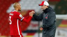 Liverpool manager Jurgen Klopp celebrates after the Premier League win over Arsenal with Fabinho