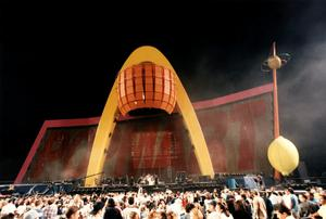U2 PopMart tour, showing stage set and speakers and the offending lemon to the right