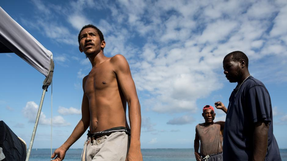 The indigenous Garifuna people in Roatán's East End struggle to find an alternative to fishing