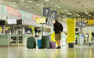 Ready and waiting: A traveller arrives at the empty departures area of Dublin Airport as concern grows regarding the impact of foreign journeys on the level of Covid-19 in the country. PHOTO: GERRY MOONEY