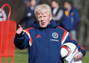 Gordon Strachan barks out the orders at training yesterday