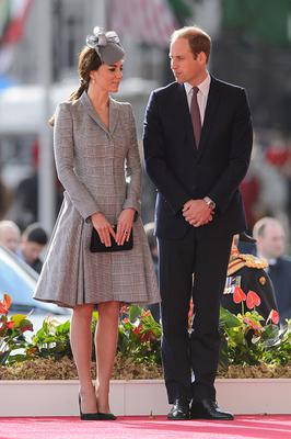 October 2014: She went for a traditional look in grey to meet the President of Singapore.
