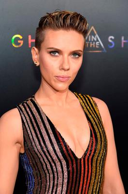 """Scarlett Johansson attends the """"Ghost In The Shell"""" premiere hosted by Paramount Pictures & DreamWorks Pictures at AMC Lincoln Square Theater on March 29, 2017 in New York City.  (Photo by Jamie McCarthy/Getty Images)"""