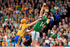 24 May 2015; Graeme Mulcahy, Limerick, in action against Cian Dillon, Clare. Munster GAA Hurling Senior Championship Quarter-Final, Clare v Limerick. Semple Stadium, Thurles, Co. Tipperary. Picture credit: Ray McManus / SPORTSFILE