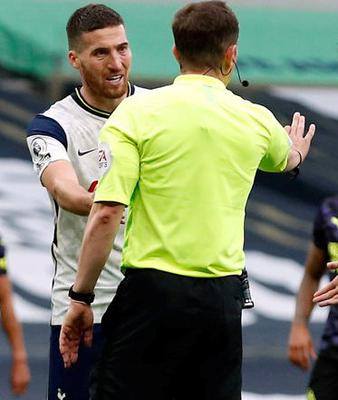 Matt Doherty gives out to the ref