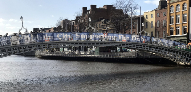 The 2018 banner urging on the Dubs at the Ha'penny Bridge Pic: Collins Photos