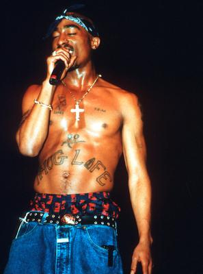 Rapper Tupac Shakur performs onstage in 1994 in Chicago, Illinois.  (Photo by Raymond Boyd/Michael Ochs Archives/Getty Images)